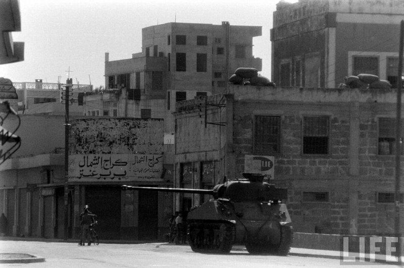 1958_lebanon_firefly_01